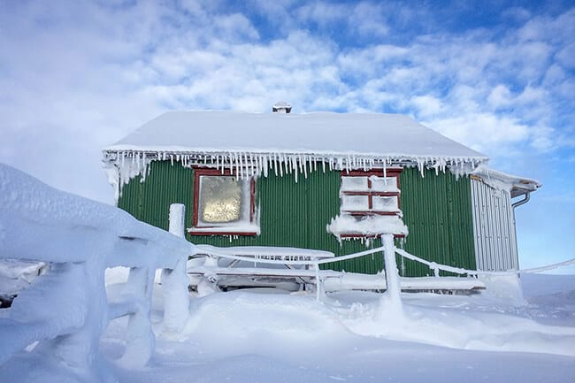 Cabin-in-Hveravellir-Iceland-with-icicles.jpg