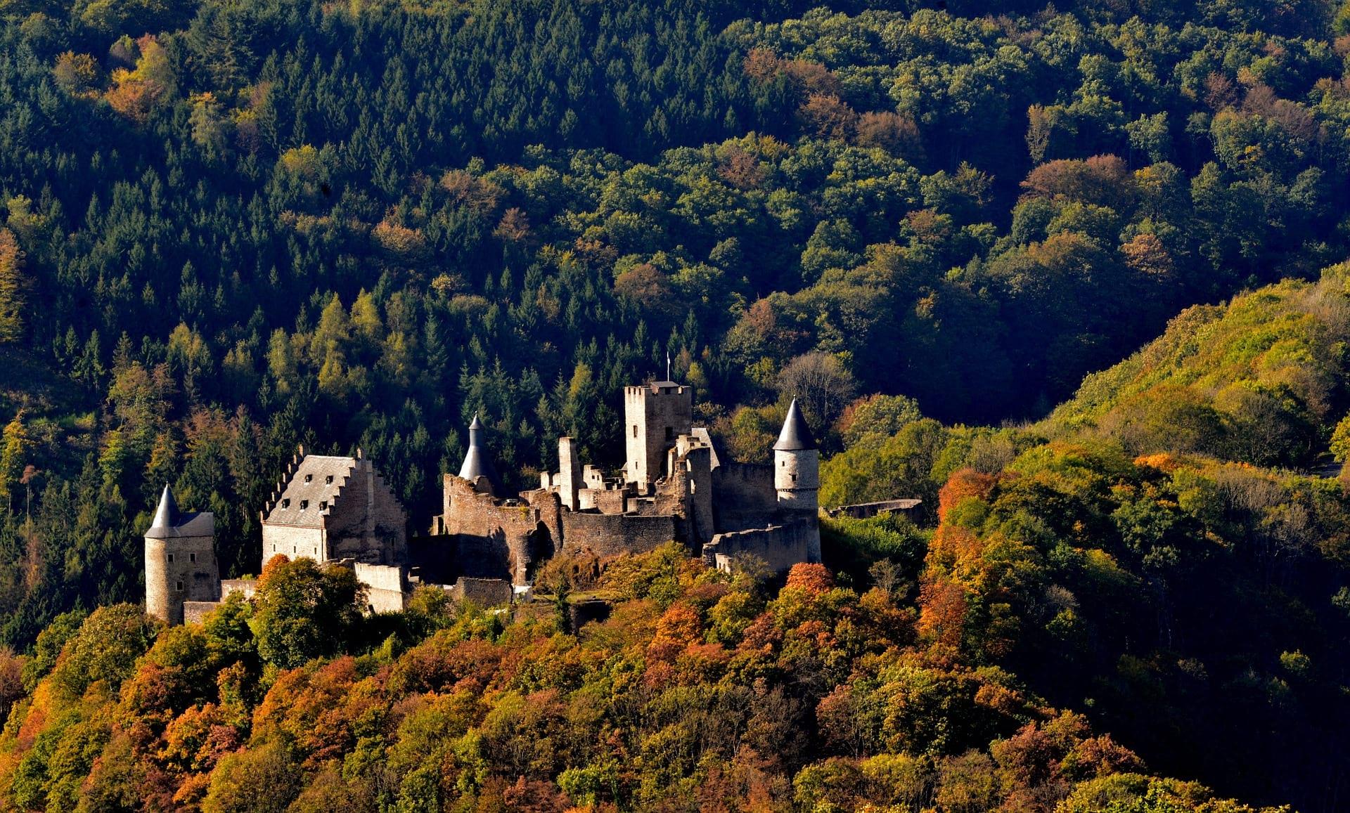 TRENTINO ALTO ADIGE castle image