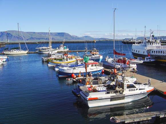 Grandi_harbour_and_Esja_view.jpg