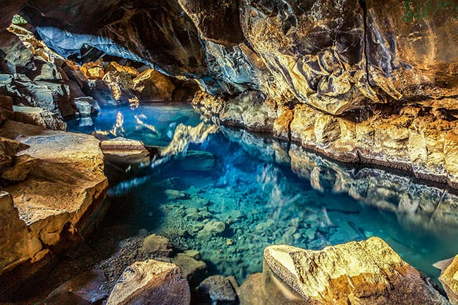 Grjotagja-cave-Iceland.jpg