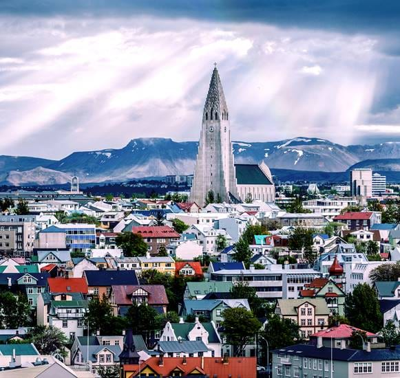 Hallgrimskirkja_and_Esja_city_view.jpg