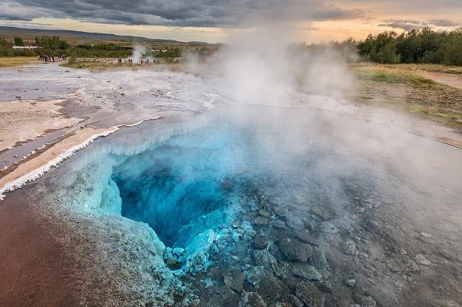 Iceland-Geysir-hot-spring-area.jpg