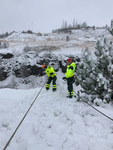 Know to climb as EMT and firefighter is neccessary in Iceland
