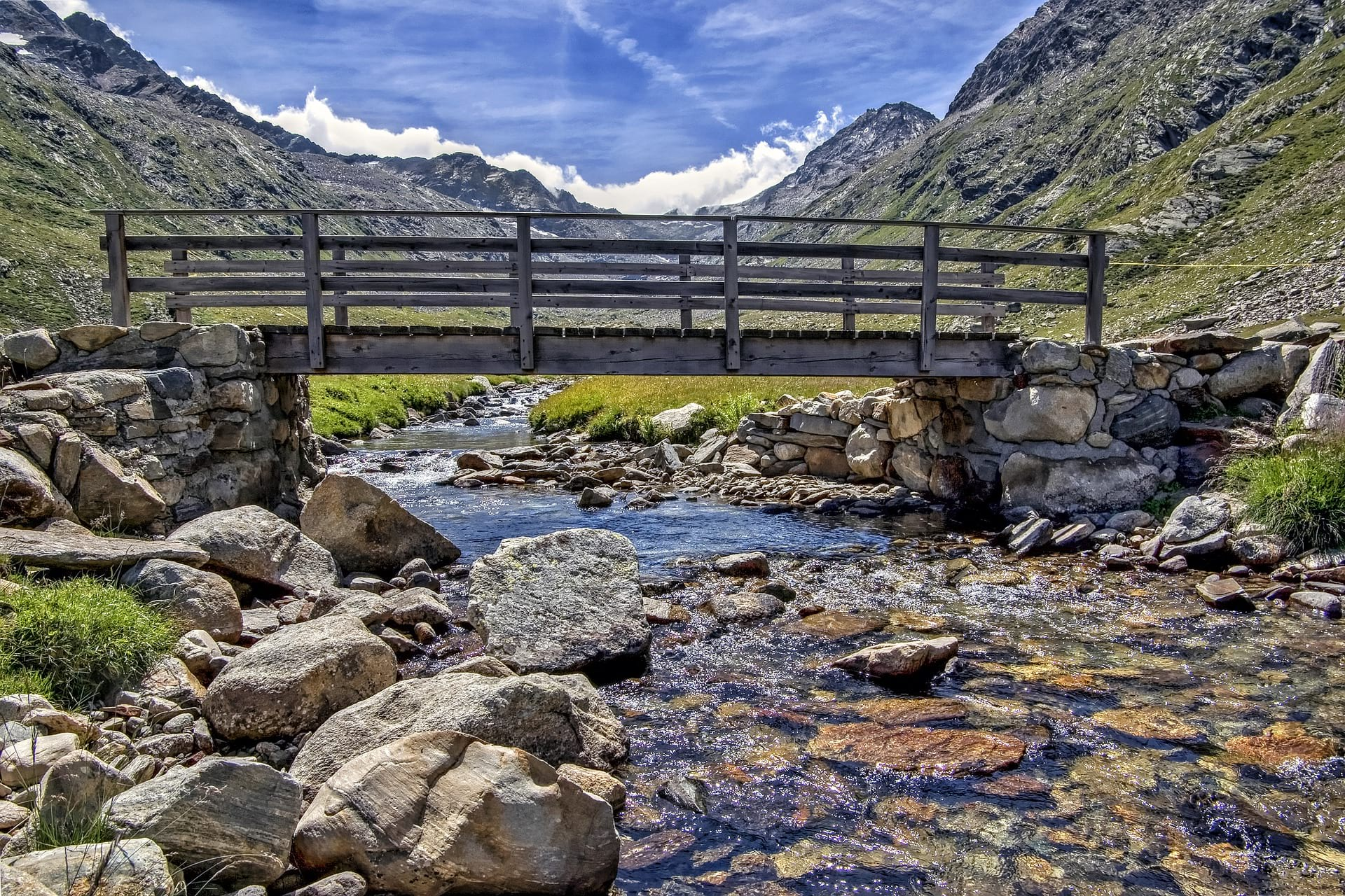 val d'aostra mountains and bridge image