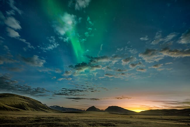Northern-lights-in-winter-Iceland