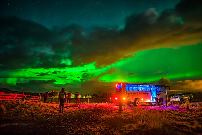 Northern-lights-with-Gray-Line-Iceland-tour-bus