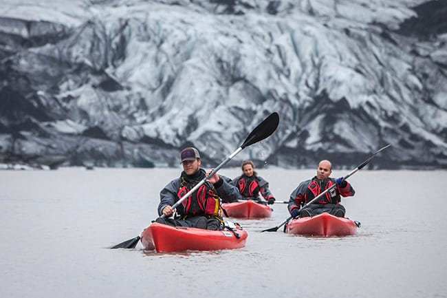 Go kayaking on the Jokullsarlon lake