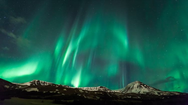 Mix your Golden Circle tour with the Northern Lights tour